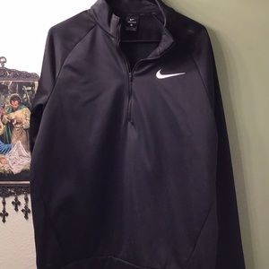 Nike large pullover